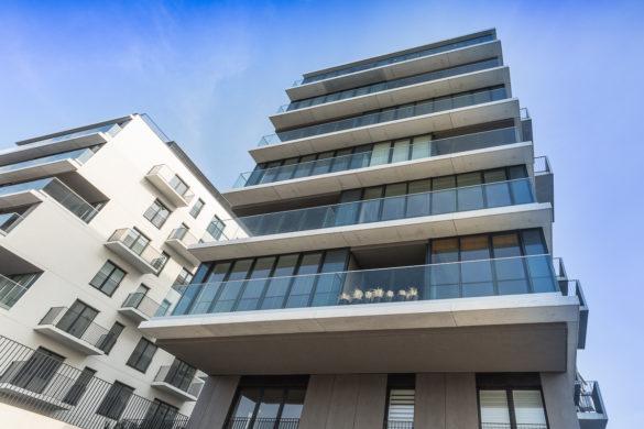 Apartament luksusowy we Wrocławiu - czarno biały wystrój - tarasy balkonowe