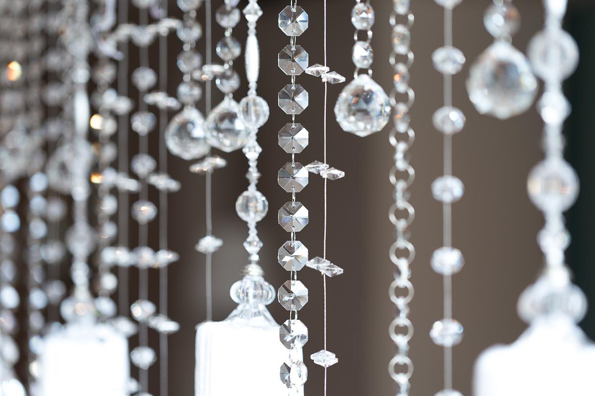 ozdobne sznurki - kamienie - szkło - frędzle - wystrój wnętrza