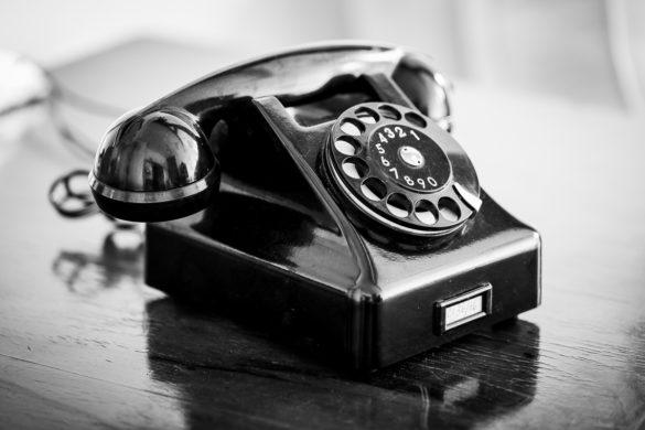 Telefon kontakt - Mieszkanie na poddaszu - Wrocław - stary telefon