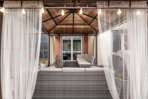 Meble tarasowe - ratanowa sofa - teras przy mieszkaniu - Wrocław